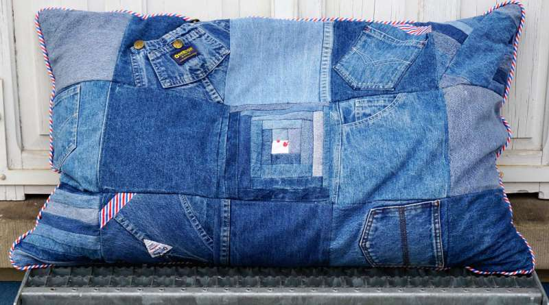 Wayome Upcycling Coussin en jeans image une