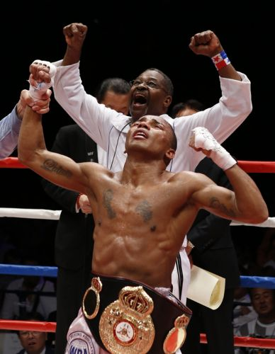 Liborio Solis became Super Flyweight absolute champion