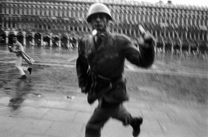 _0venezia-1968.-contestazione-alla-biennale-darte.jpg