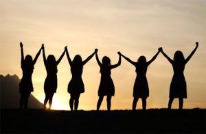 women-inspiring-each-other
