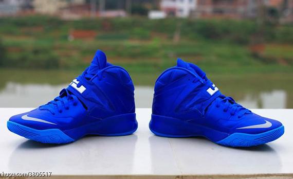 Nike-Zoom-Soldier-7-(VII)-Game-Royal-Blue-Glow-10
