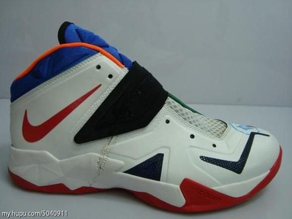 Nike-Zoom-Soldier-VII-(7)-Wear-Test-Sample-Detailed-Look-14