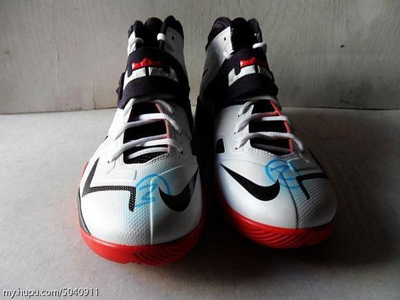 Nike-Zoom-Soldier-VII-(7)-Wear-Test-Sample-Detailed-Look-4
