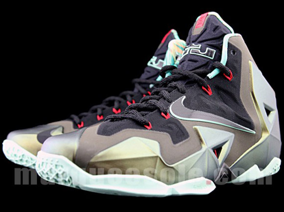 Nike LeBron XI - Up Close & Personal 3
