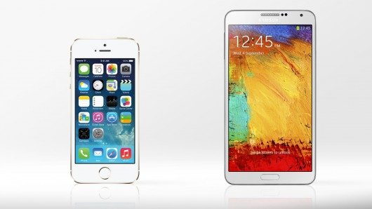 galaxy note 3 vs iphone 5s The Samsung Galaxy Note III and Samsung Galaxy Gear