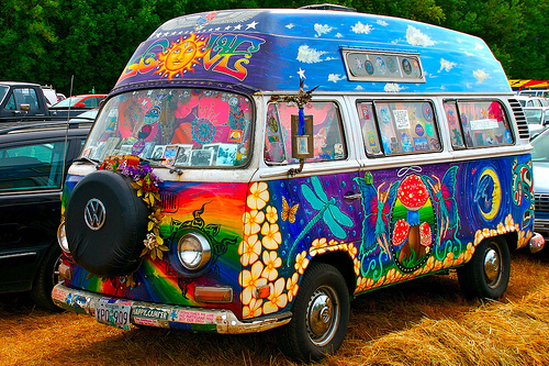 bus1 Really Bright and Colorful Psychedelic Volkswagen Van