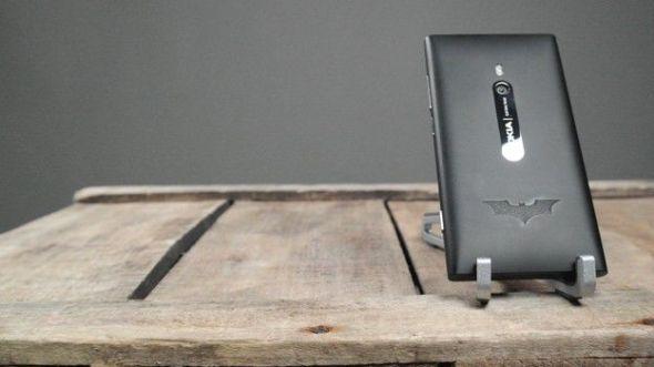 batman lumia 590x331 Nokia lanzará un Lumia 900 inspirado en Batman