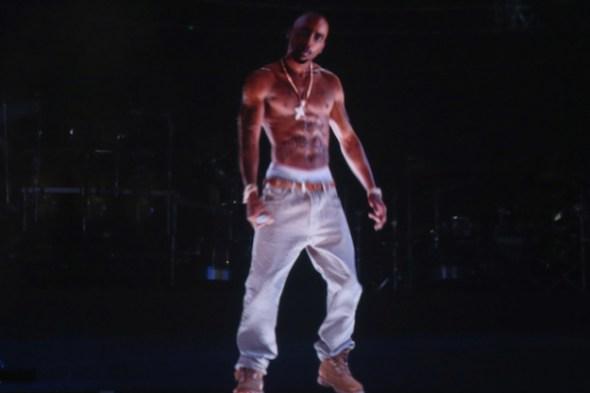 Tupac holograma 590x393 El holograma de Tupac gana premio en Cannes