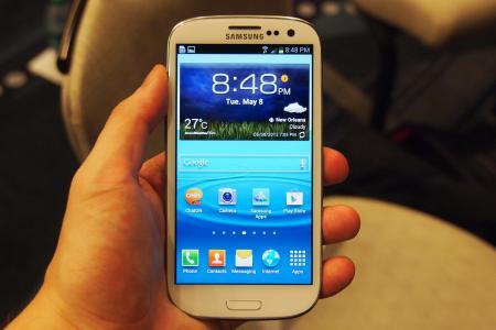Galaxy S3 el smartphone más vendido por Internet en 2013