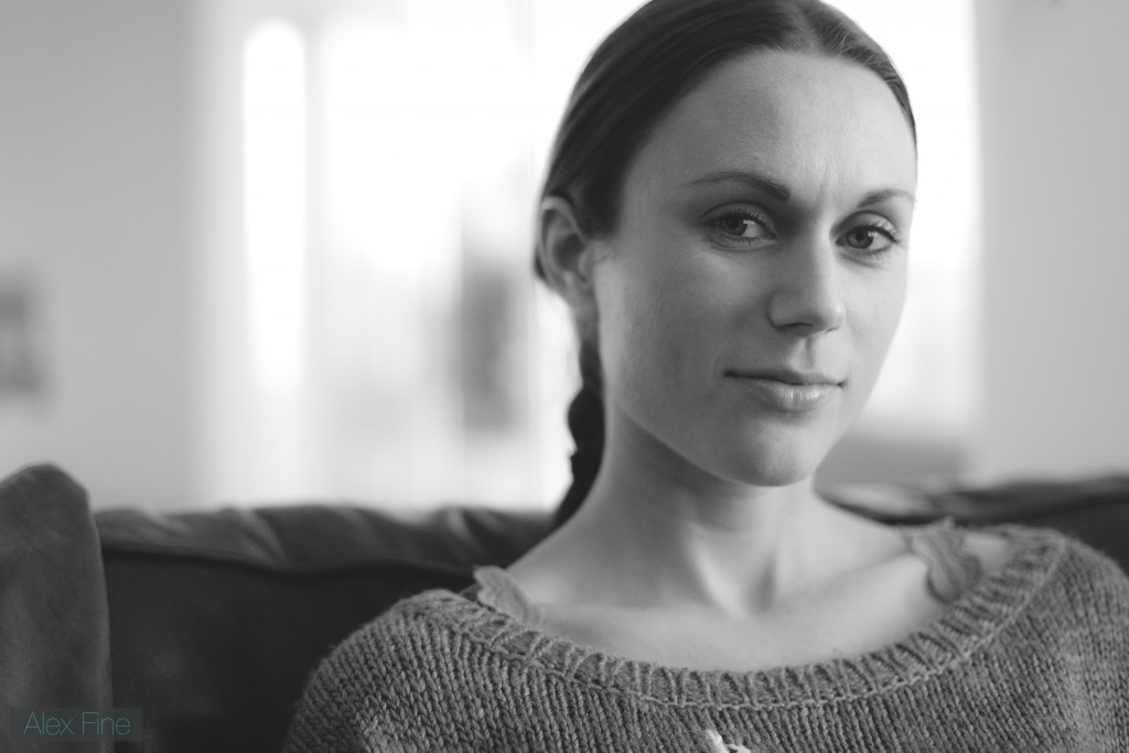 Laura_Lounge_Portrait_BW