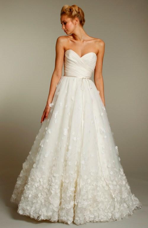 Cozy Embellished Skirt Ivory Wedding Dress Embellished Heart Neckline Wedding Dresses Heart Neckline Wedding Dress Patterns Heart Neckline Ivory Wedding Dress Heart Neckline