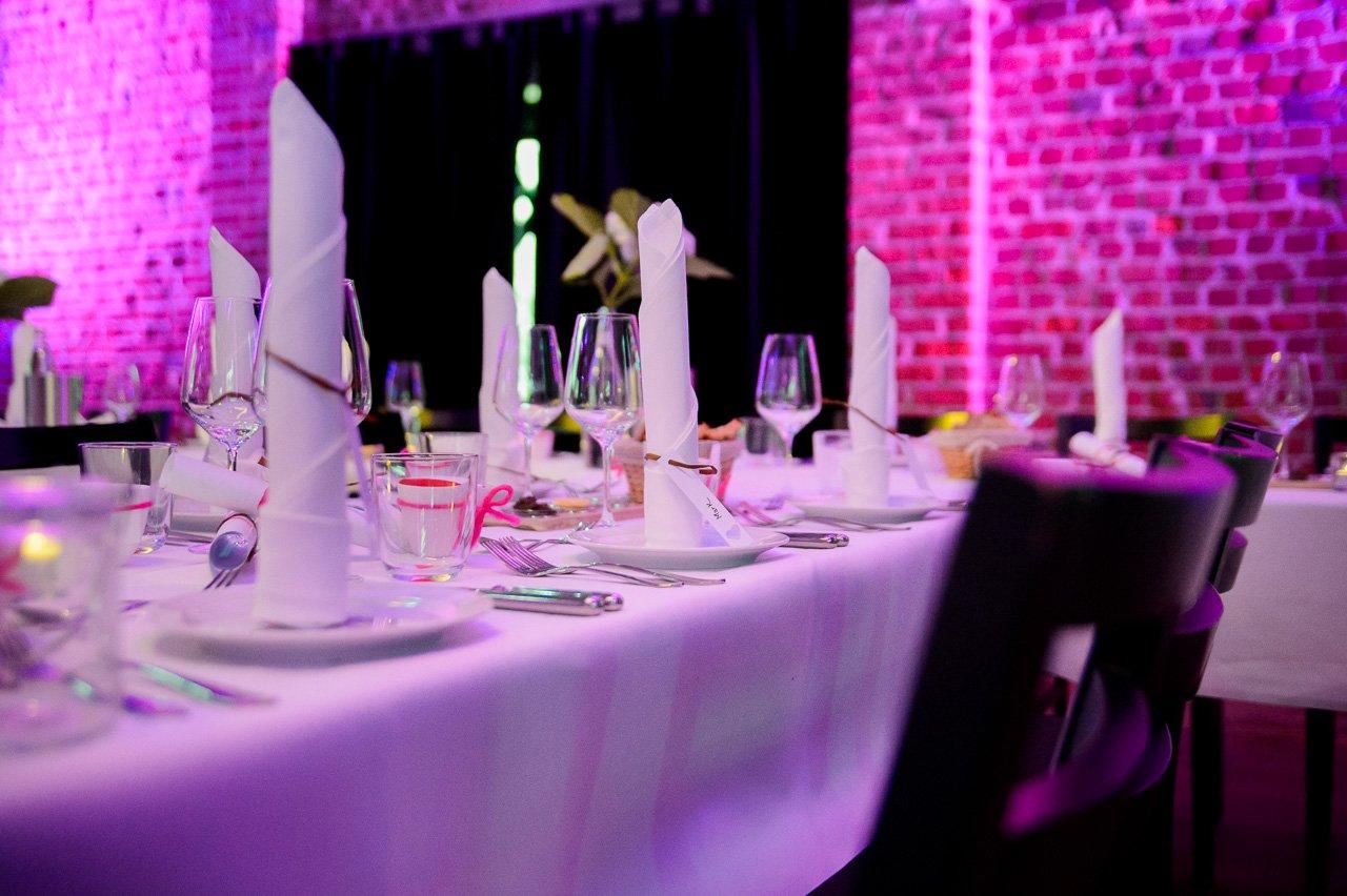 Party-Hochzeit im Tafelsilber in Düsseldorf