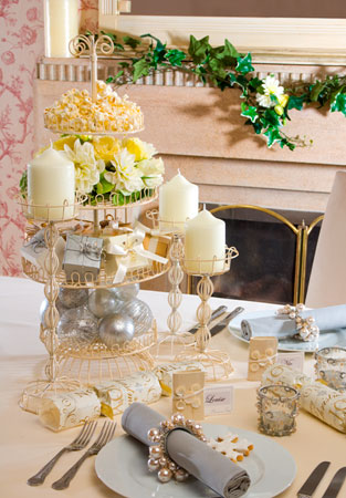 champagne table decor