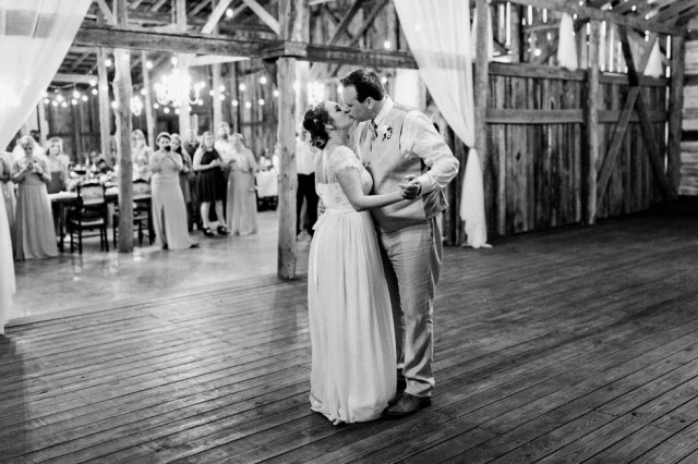 Joyful and Emotional Wedding Photography in Nashville Meadow Hill Farm