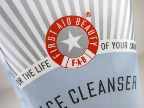 FABcleanser2 Skin in a state of emergency? Let First Aid Beauty Cleanser come to the rescue!
