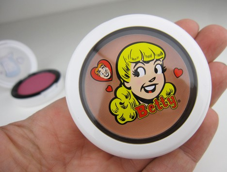 MACArchielips6 MAC Archie's Girls Lips and Cheeks – review, photos & swatches