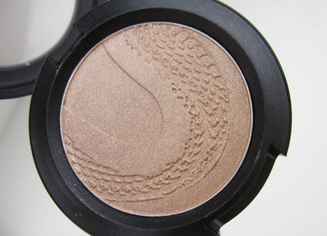 MACsnake4 MAC Year of the Snake Eye Shadows and Beauty Powder   review, photos & swatches