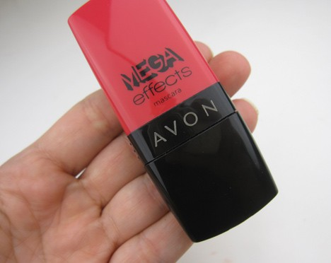 AvonMegaEffects1 Current Crushes: MAC Pressed Pigment in Damson, Avon Mega Effects Mascara and NYX Butter Gloss