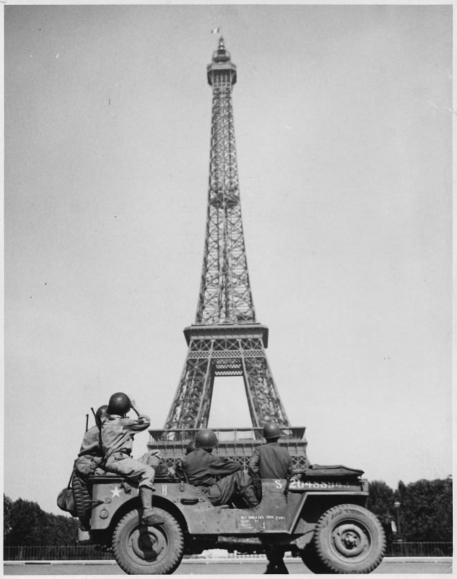 Eiffel Tower, 1940s