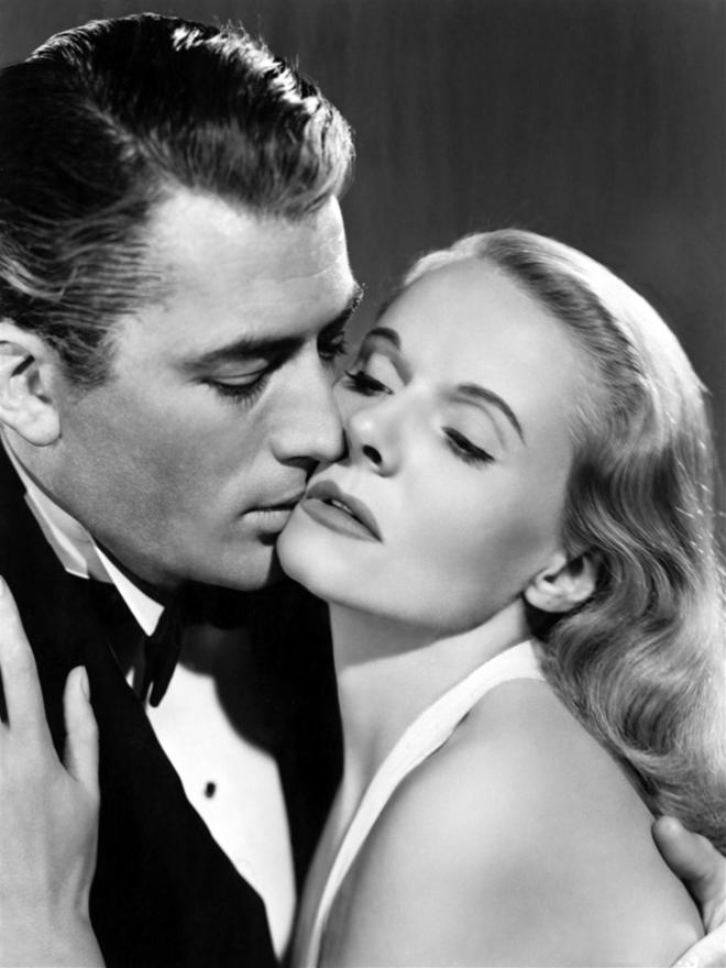 Gregory Peck getting steamy with Ann Todd