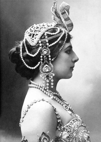 Mata Hari photographed in 1910