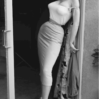 Queen of the tiny waist: Betty Brosmer