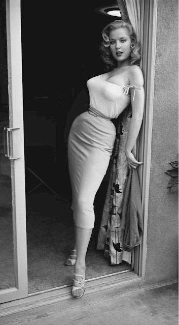 The tiny waist of Betty Brosmer
