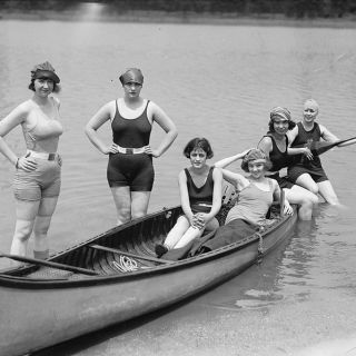 1920s swimwear photos