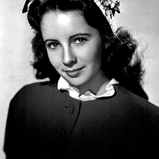 Elizabeth Taylor looking remarkably sophisticated aged 13