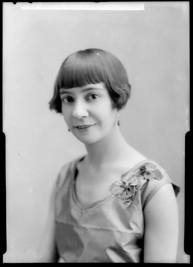 1930s photo portrait