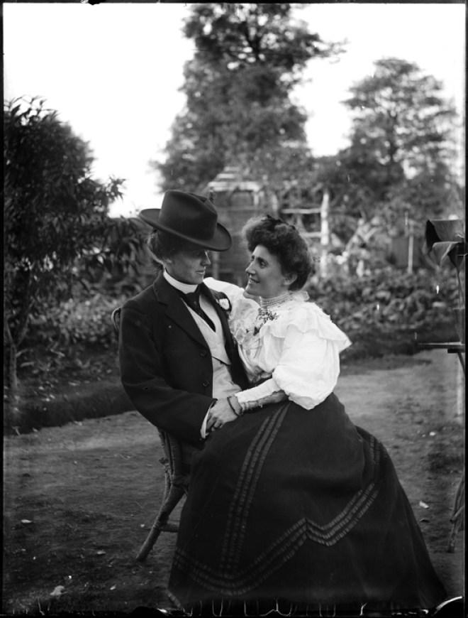 1900 lesbian couple