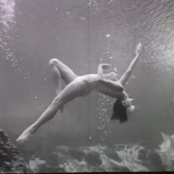 How to become a 1950s mermaid