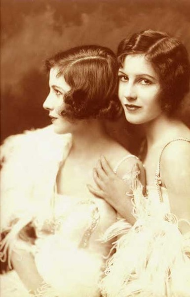 Ziegfeld Girls: Fairbank Twins
