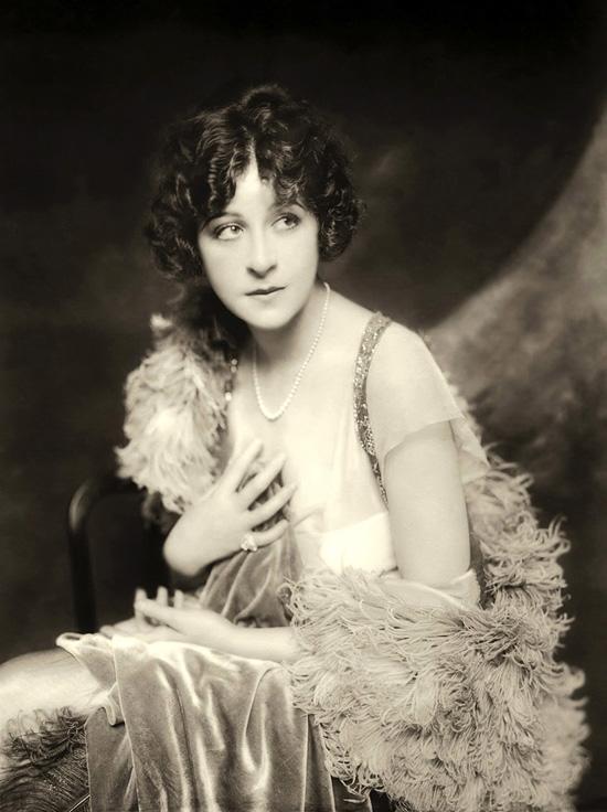 Ziegfeld Follies Girl: Fanny Brice
