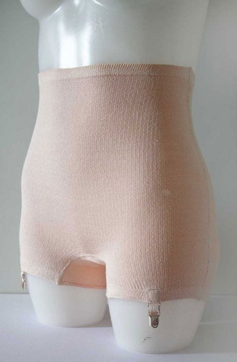 1930s Peach Bien Jolie Flash Knitted Panty Girdle