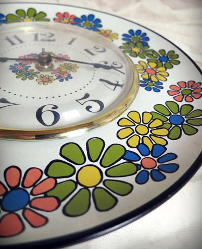 Vintage RARE Toastmaster metal tray baked enamel wall hanging clock with colorful mod flowers