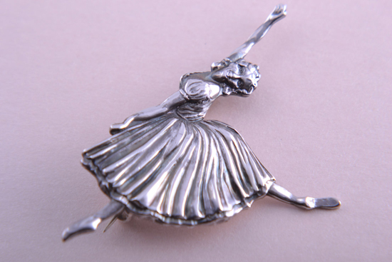 An iconic 1950s ballerina brooch