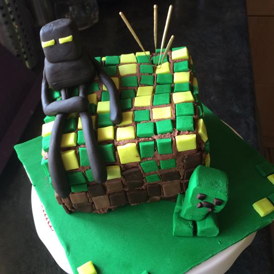 My Minecraft Cake Debacle We Heart Vintage blog retro fashion