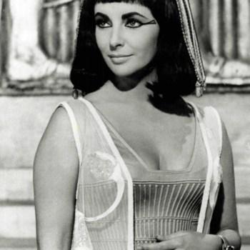 Fashion Inspiration: Liz Taylor as Cleopatra