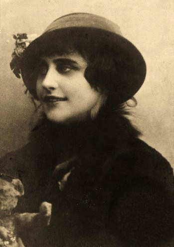 Russia's First Silent Movie Star: Vera Kholodnaya