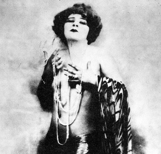 Mae West 1920s