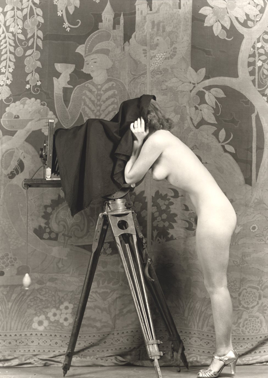 Saucy Portraits of 1920s Showgirls