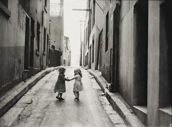 Slum children 1940s