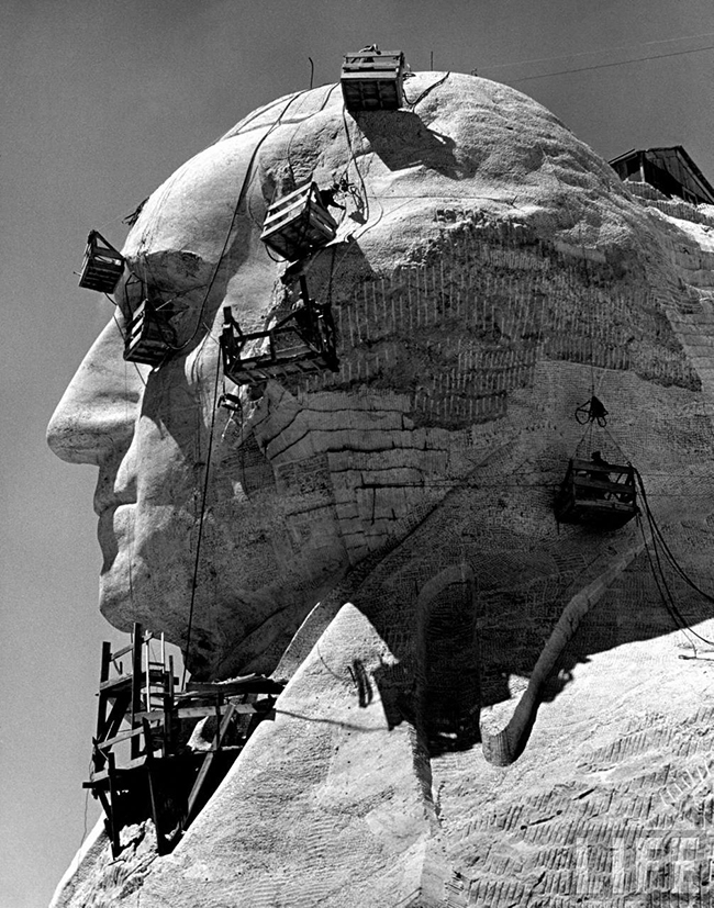 Building Mount Rushmore