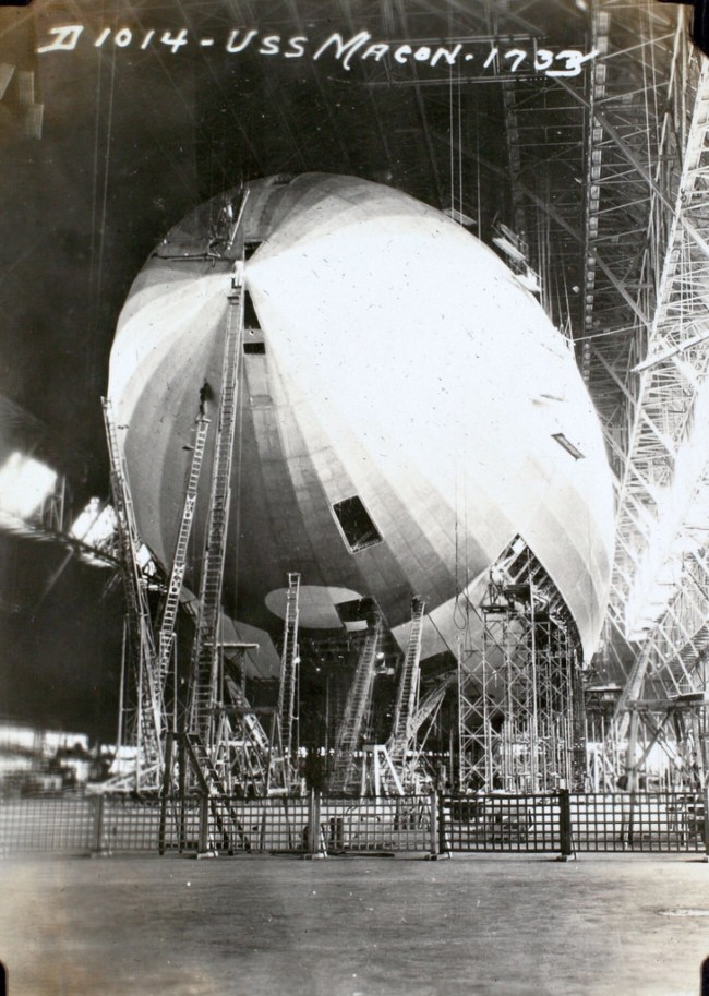Airship being built 1933