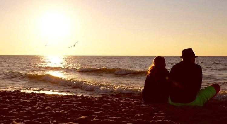 Menschen zu finden, die mit uns fühlen und empfinden, ist wohl das schönste Glück auf Erden. - Carl Spitteler