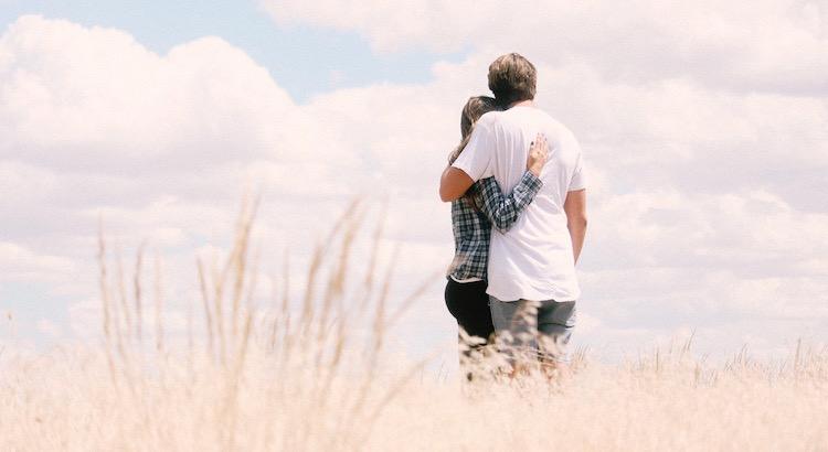 Wenn zwei Menschen sich begegnen, die füreinander bestimmt sind, dann ist keine Eile geboten, weil das Unausweichliche sowieso geschehen wird. - Paulo Coelho
