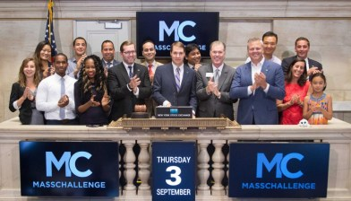 Joined by Scott Bailey, managing director of MassChallenge Boston and surrounded by MC alumni and guests, Jogn rang the NYSE's closing bell in September of 2015.