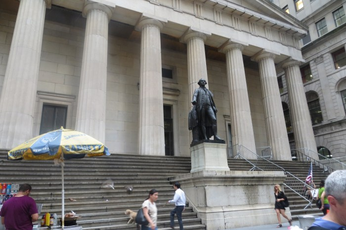 Federal Hall Memorial, with statue of George Washington