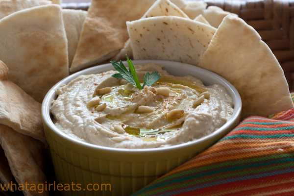 Easy hummus dip is just a few minutes away when you have canned garbanzo beans in your pantry!